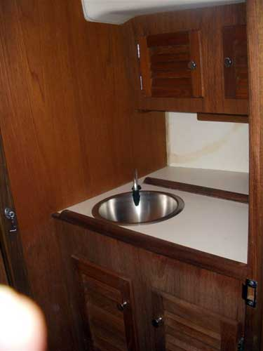 ... Forward Sink Cape Dory 28